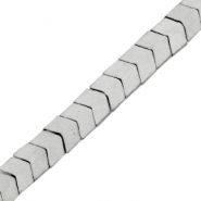 Hematite kralen arrow mat Light grey